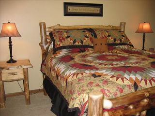 Burnside cabin photo - Master Bedroom - King Size Rustic Aspen Wood Bed