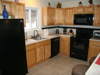 Tannersville townhome photo - Kitchen and Breakfast Bar