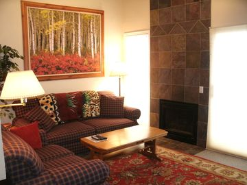Old Town condo rental - Family Room