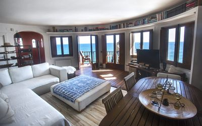 TOT GAVIOTA. Sea front apartments, beach & pool in Sitges - Apt. 1 ROMANTIC