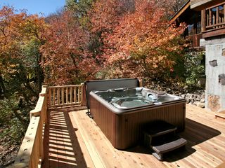 Sundance cabin photo - New hot tub tucked away from everything.