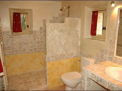 Marble and Italian stuccos bathroom - Gite in Provence