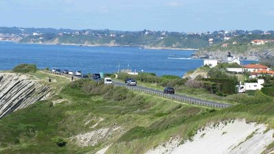 coastal road , bay of Ciboure/St Jean de Luz