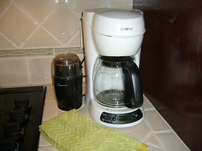 Coffee Maker with Coffee Grinder