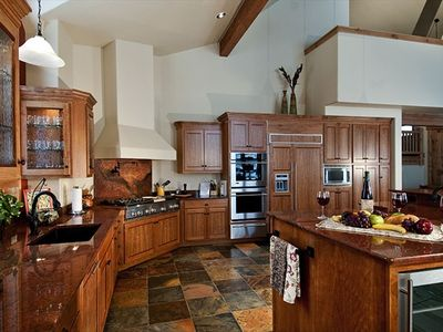 Bristlecone Lodge: Brand new, top-of-the-line gourmet kitchen