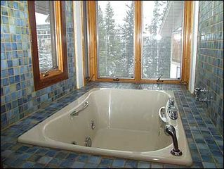 Vail house photo - Jacuzzi Tub in 2nd Bedroom