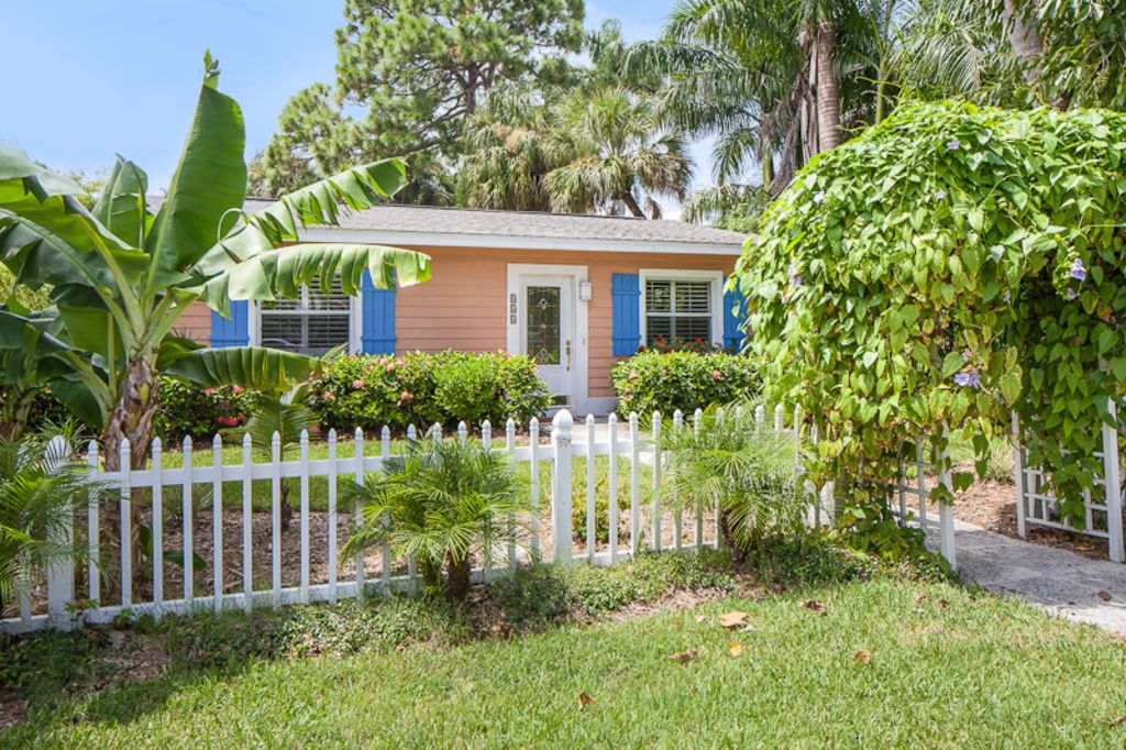 Olde naples 4 bedroom luxury cottage walk to 5th beach for 9 bedroom vacation rentals