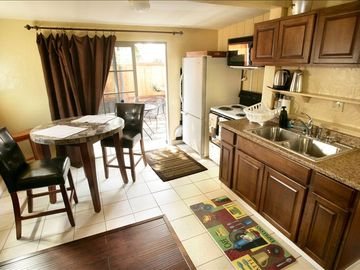Del Mar cottage rental - Little space but has all the basic amenities. Again, perfect for casual stay.