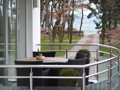 Exclusive apartment with beautiful sea views, sauna, balcony, 50 m from the beach, WiFi