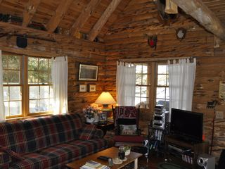 Allen Falls Flow cabin photo - Great Room Looking Toward Lake