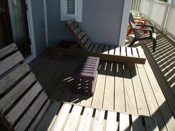 Additional Seating & Lounges On 2nd Floor Balcony. Great For Watching Sunsets!