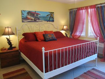 Port Aransas condo rental - Enjoy restful sleep in our king-sized bed.