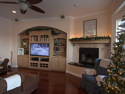 Living room/ huge fireplace, views & HD/3D surround sound entertainment system