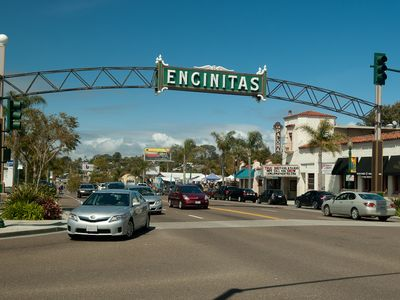 Encinitas condo rental - Downtown Encinitas, 7 minute walk to shopping , restaurants and bars