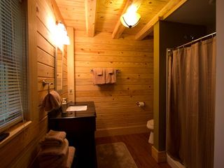 Lexington cabin photo - Master Bath