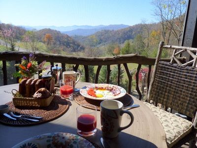 Breakfast on the porch!