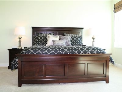 Master bedroom, king-size bed