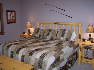 Sunriver house photo - Suite #4: Hacker's Hide-a-Way -- King Bed with Private Bath
