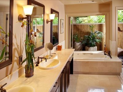 Kaupulehu villa rental - Master Bath and Lanai Garden