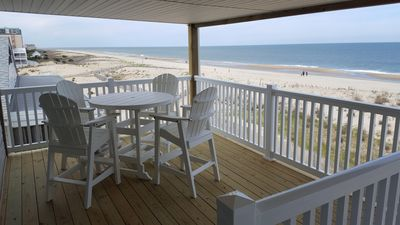 New extra large covered deck overlooking the ocean!