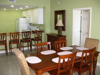 Splash Resort condo photo - Dining area and kitchen
