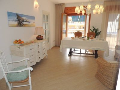 Camera con Vista B&B in the city center with 3 bedrooms, 3 bathrooms and parking