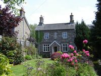 Ashfield cottage in Crickhowell with views of Usk Valley,and Brecon Beacons