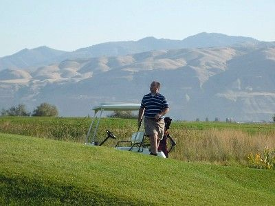 3 beautiful golf options to select from all within about 20 min from Sundance.