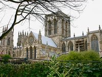 Luxury self-catering apartment by York Minster (and close to Bettys Café!)