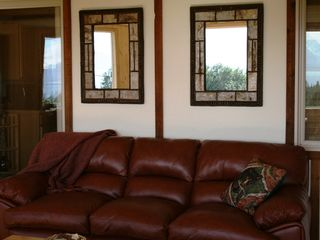 Homer chalet photo - Comfortable leather furniture.