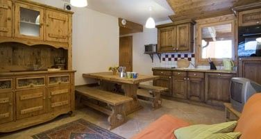 Comfortable apartment close to the piste and resort centre