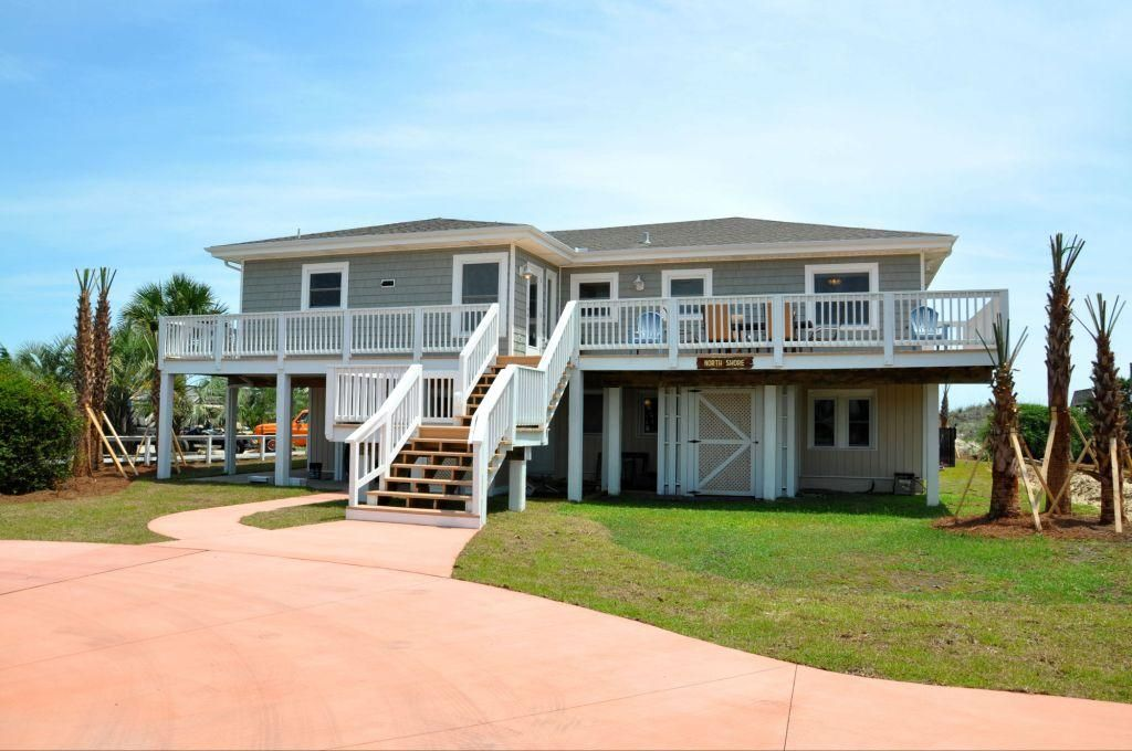North shore remodeled 7 bedroom oceanfront house with for 7 bedroom homes
