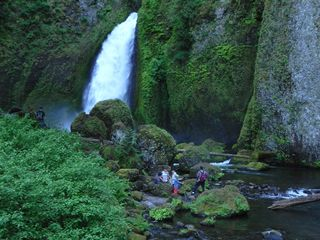 Hood River house photo - local waterfall walk