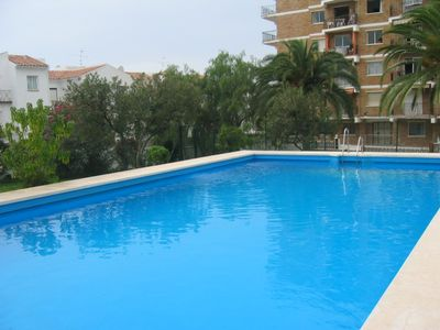 Acapulco 14 Three bedroom apartment. Pool, Parking 100m from the beach