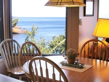 A dining room table with a view! 1010
