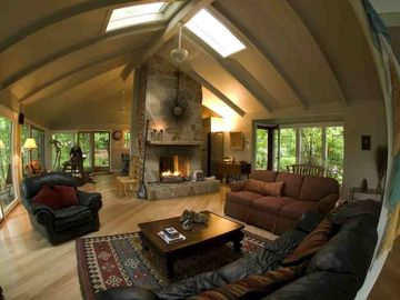 Lovely open floor plan with expansive views