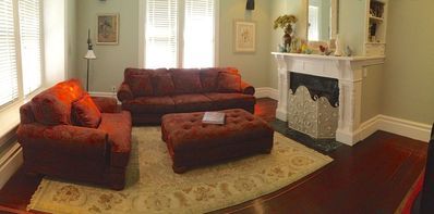 Healdsburg house rental - Large front room with large flat screen tv