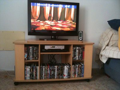 32' LCD TV Uk Channels 100 top DVD's