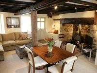 Luxury old village cottage in Dartmoor location