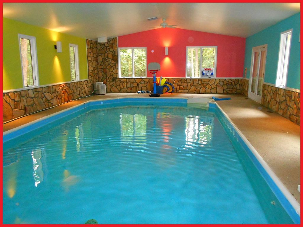 Indoor private year round swimming homeaway mcgaheysville for Private indoor swimming pools