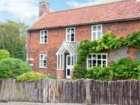 KOSY COTTAGE, pet friendly in Buxton, Norfolk, Ref 18375