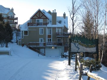 Mont Tremblant condo rental - Les Hauts Bois is mountainside in Domaine de la Foret next to the resort village