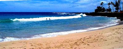 Brennecke's Beach, in Poipu Beach Park, has good bodysurfing and boogie boarding