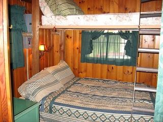 Breezy Point cabin photo - Bedroom double bed w/ twin bunk