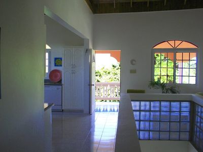 Negril villa rental - Center hallway
