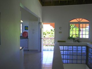 Negril villa photo - Center hallway