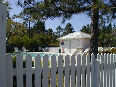 Private Swimming Pool & restrooms  @ cul-de-sac - quaint neighborhood Gulf Mist