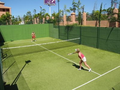 Guadalmina apartment rental - anyone for tennis?!