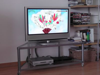 Flat screen television - freeview channels