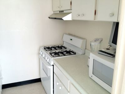 Dupont Circle studio rental - Kitchen